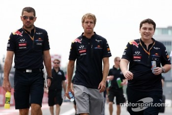 Guillaume Rocquelin, Red Bull Racing Race Engineer and Sebastian Vettel, Red Bull Racing