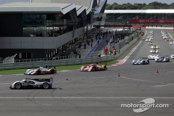#2 Audi Sport North America Audi R18 TDI: Tom Kristensen, Allan McNish spins on the formation lap