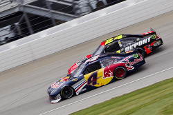 Kasey Kahne, Red Bull Racing Team Toyota and Jeff Gordon, Hendrick Motorsports Chevrolet