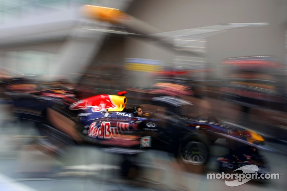 Red Bull Racing pitstop practice