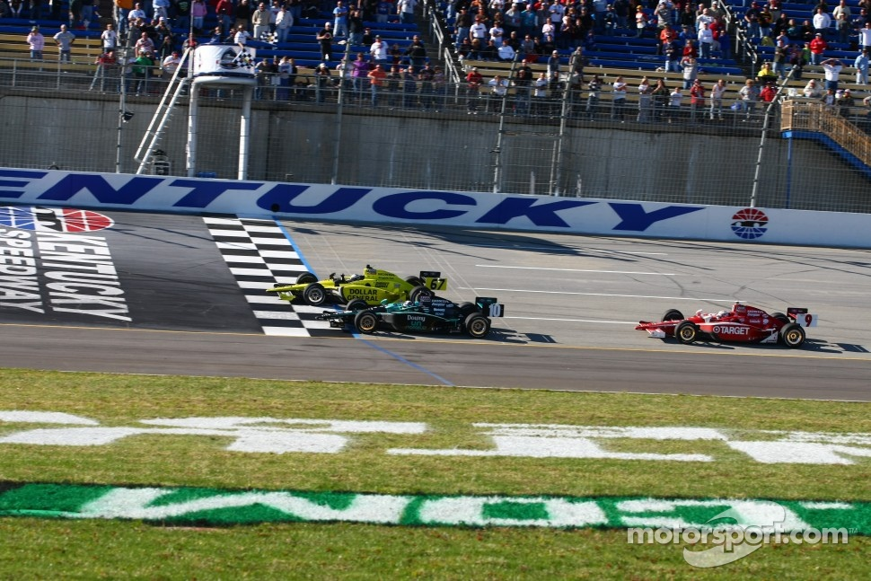 Ed Carpenter, Sarah Fisher Racing edges out Dario Franchitti, Chip Ganassi Racing for the win