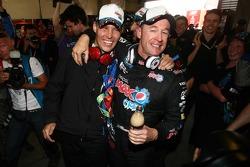 Greg Murphy and Allan Simonsen take pole for the 2011 Bathurst 1000, #11 Pepsi Max Crew
