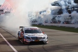 Race winner Jamie Green, Team HWA, AMG Mercedes C-Klasse