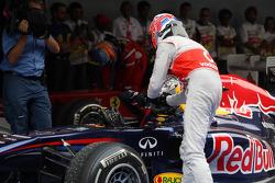 Jenson Button, McLaren Mercedes, Sebastian Vettel, Red Bull Racing