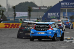 Pepe Oriola, SUNRED SR Leon 1.6T, SUNRED Engineering and Robert Dahlgren, Volvo C30, Polestar Racing