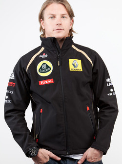 Kimi Raikkonen returns to F1 with Lotus Renault