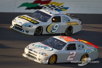 Brad Keselowski, Penske Racing Dodge and Marcos Ambrose, Petty Motorsport Ford