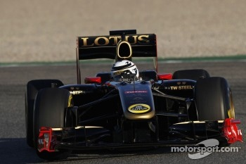 Kimi Raikkonen tests the 2010 Lotus Renault