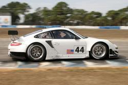 #44 Flying Lizard Motorsports Porsche 911 GT3 RSR: Darren Law, Jorg Bergmeister, Patrick Long