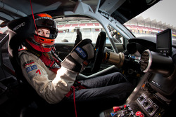 SUPERGT: Cyndie Allemann tests the Hitotsuyama Racing Audi R8 LMS Super GT car