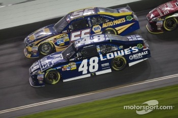 Martin Truex Jr., Michael Waltrip Racing Toyota and Jimmie Johnson, Hendrick Motorsports Chevrolet