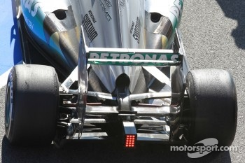 Nico Rosberg, Mercedes AMG Petronas rear suspension and wing
