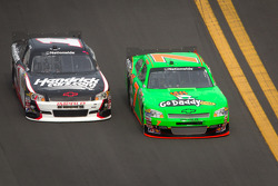 Danica Patrick, JR Motorsports Chevrolet and Kurt Busch, Phoenix Racing Chevrolet