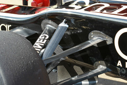 Lotus Renault F1 Team front suspension
