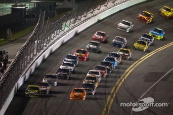 Matt Kenseth, Roush Fenway Racing Ford and Joey Logano, Joe Gibbs Racing Toyota lead the field