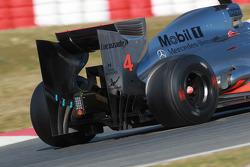 Lewis Hamilton, McLaren Mercedes rear wing