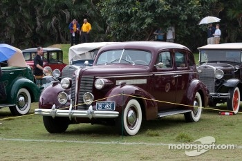 1937 Buick 41 Touring Sedan