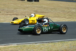 #121 Alex Morton - Lotus 21 (1961) and #25 Patrick Dunseith - Merlyn Formula Ford
