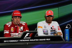 Fernando Alonso, Ferrari and Lewis Hamilton, McLaren in the FIA Press Conference