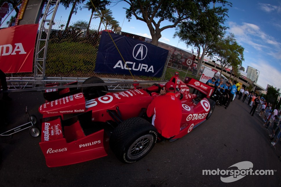 Car of Dario Franchitti, Target Chip Ganassi Racing Honda