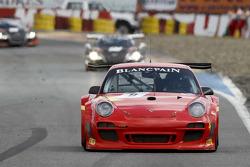 #8 Exim Bank Team China Porsche 911 GT3 R: Benjamin Lariche, Ren Wei