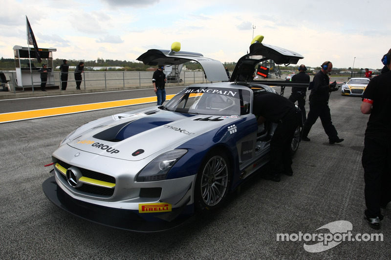 #2 Heico Gravity-Charouz Team Mercedes SLS AMG GT3: Mika Vahamaki, Max Nilsson