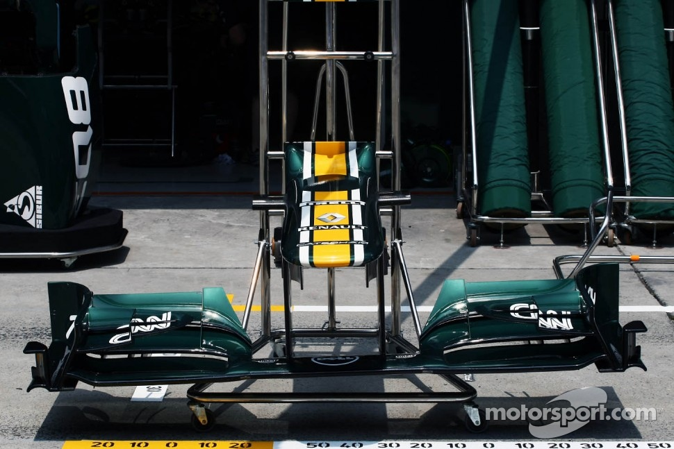 Caterham CT01 front wing