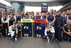 Bruno Senna, Williams and Pastor Maldonado, Williams wish Frank Williams, Williams Team Owner a Happy 70th Birthday with the team