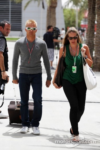 Heikki Kovalainen, Caterham with girlfriend Catherine Hyde