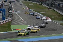 Start: Mike Rockenfeller, Team HWA AMG Mercedes, AMG Mercedes C-Coupe, Timo Scheider, Audi Sport Team ABT Sportsline Audi A5 DTM