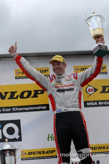 Round 9 2nd place Matt Neal, Honda Yuasa Racing