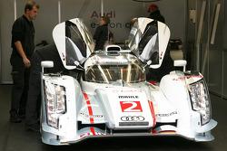 #2 Audi Sport Team Joest Audi R18 e-tron quattro Hybrid: Rinaldo Capello, Tom Kristensen, Allan McNish