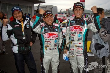 GT300 winners Tatsuya Kataoka and Nobuteru Taniguchi