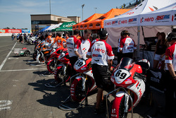 Team Hero doing final prep for SuperBike Race #2
