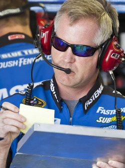 Carl Edwards crew chief Bob Osborne