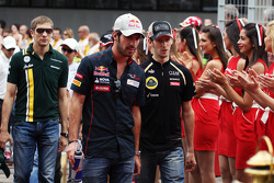 Jean-Eric Vergne, Scuderia Toro Rosso and Romain Grosjean, Lotus F1 Team on the drivers parade
