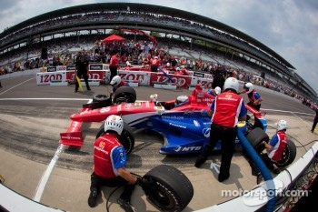 Pit stop challenge: Graham Rahal, Service Central Chip Ganassi Racing Honda