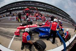 Pit stop challenge: Graham Rahal, Service Central Chip Ganassi Racing Honda
