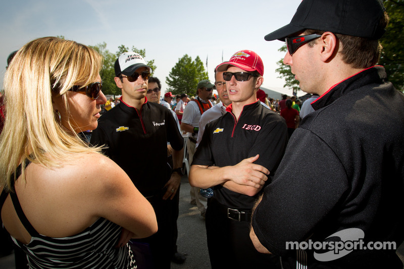 Helio Castroneves, Team Penske Chevrolet, Ryan Briscoe, Team Penske Chevrolet and Will Power, Verizon Team Penske Chevrolet