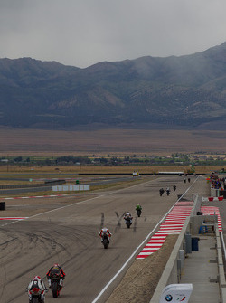 SuperSport Race takes the main straight at Miller Motorsports Park