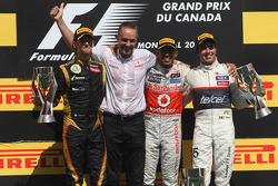 Romain Grosjean, Lotus F1 Team, Lewis Hamilton, McLaren Mercedes Mercedes and Sergio Perez, Sauber F1 Team, Martin Whitmarsh, Team McLaren