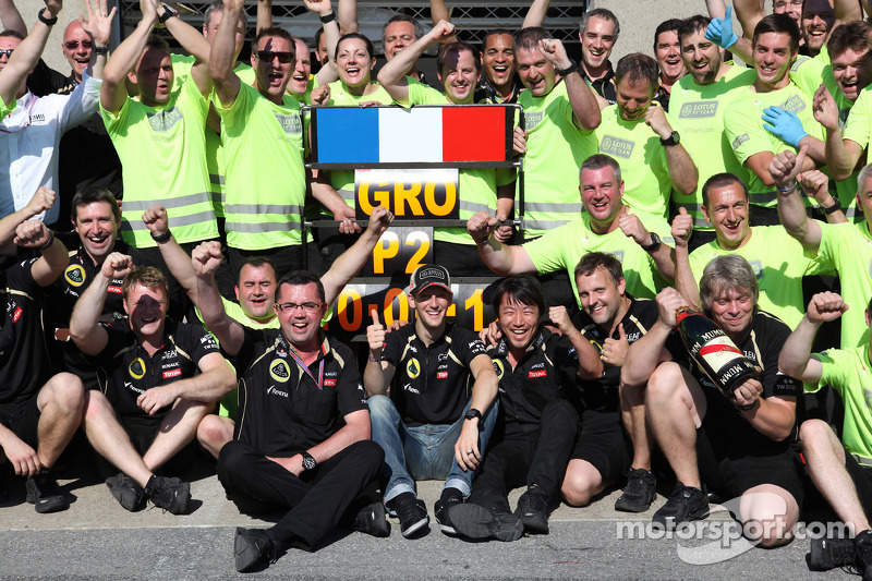 Eric Boullier and Romain Grosjean, Lotus F1 Team, and the team