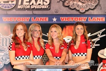 Victory lane ladies