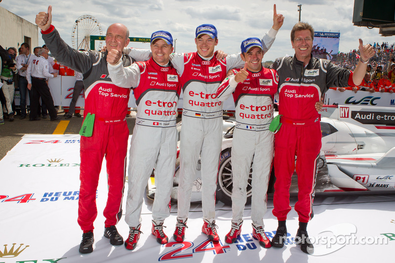 Race winners Marcel Fässler, Andre Lotterer and Benoit Tréluyer celebrate with Dr. Wolfgang Ullrich and Ralf Jüttner