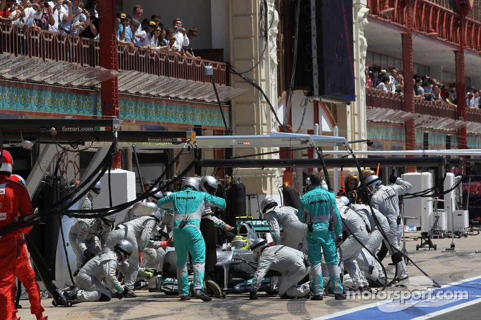 Nico Rosberg, Mercedes AMG Petronas pit stop