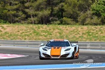 #9 Gulf Racing UK McLaren MP4-12C GT3: Mike Wainwright, Rob Bell