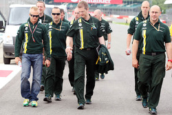 Heikki Kovalainen, Caterham walks the circuit