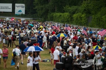 Big crowds at Lime Rock