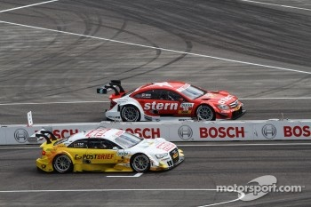 Sunday Round One Timo Scheider, ABT Sportsline Audi A5 DTM against Robert Wickens, Mücke Motorsport AMG Mercedes C-Coupe