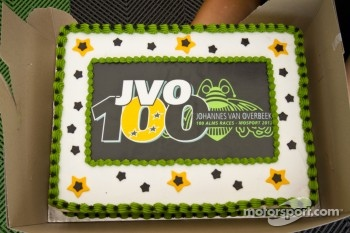 Johannes van Overbeek celebrates his 100th race